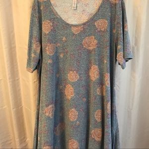 Blue floral XL perfect T, super soft and comfy EUC